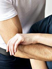 Therapie Sportverletzungen Dr. Siebenhofer